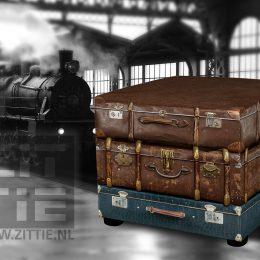 zittie_hocker_poef_vintage_reiskoffers