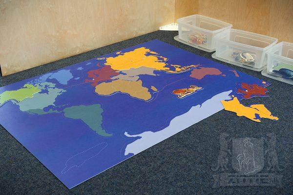 Kleurrijke wereldpuzzel, van oersterk geprint vinyl