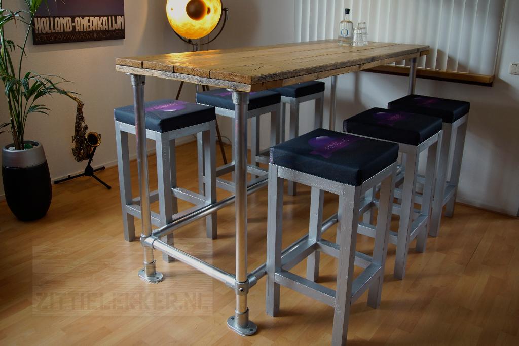 Tafels & bureaus op maat gemaakt design met staal aluminium en hout